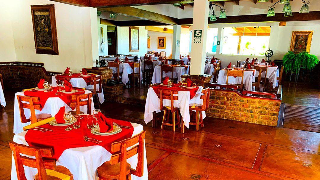 Disfruta de la verdadera mixtura de sabores peruanos en nuestro restaurante