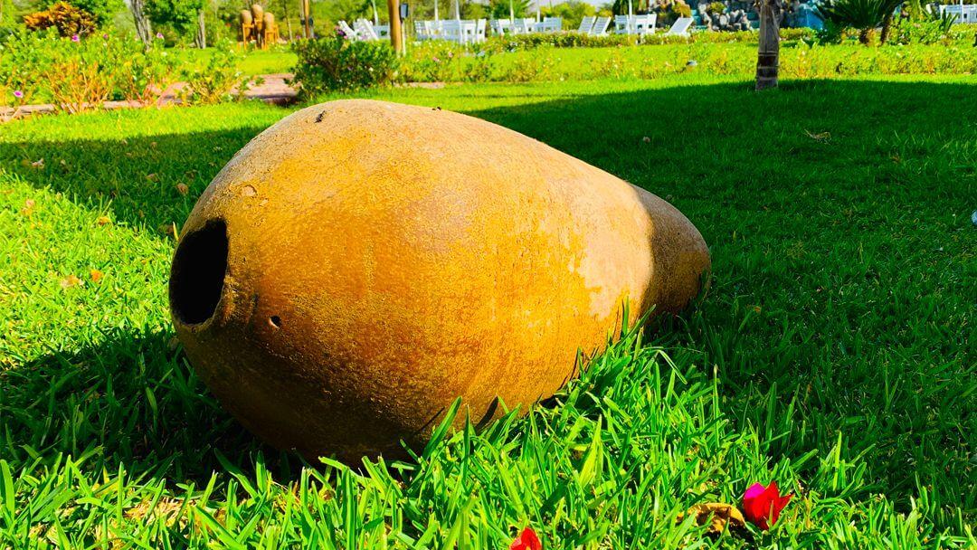 Recipiente de pisco antiguo en excelente estado de conservación.