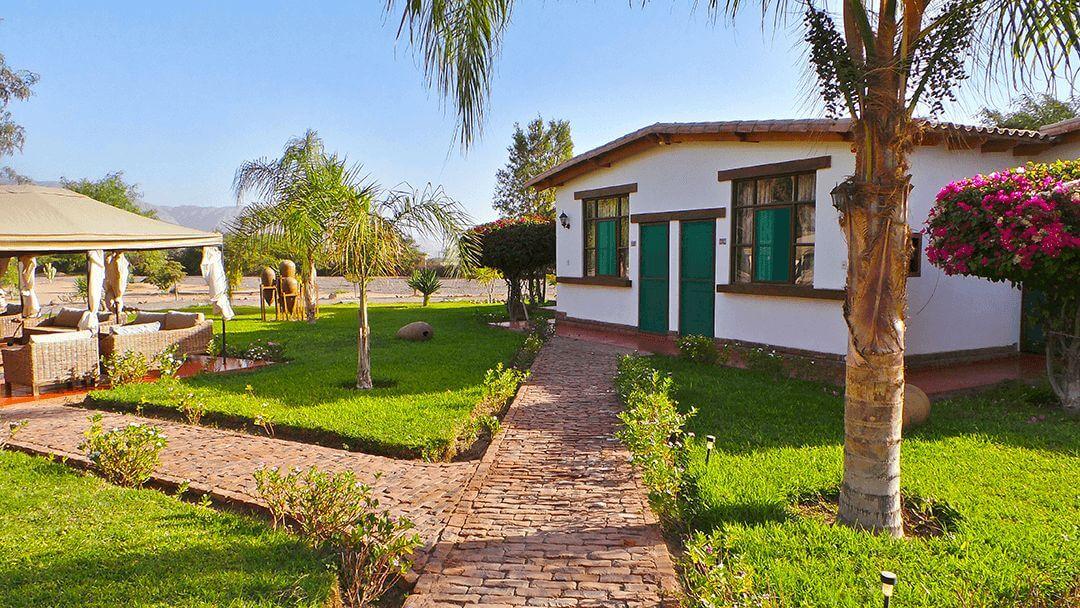 Todo el confort que mereces en el hotel Casa Hacienda Nasca Oasis.