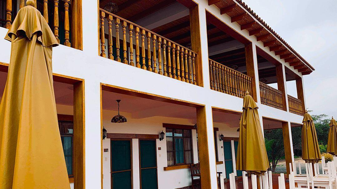 Acabados coloniales distintivos de nuestra Casa Hacienda Nasca Oasis